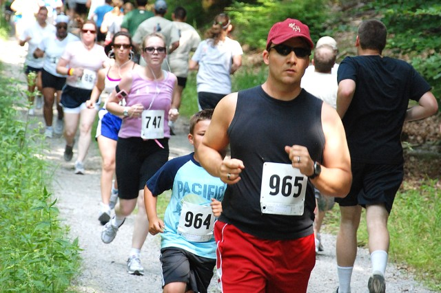 USAG Stuttgart community members 'Run to Remember'
