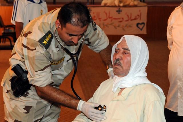 Iraqi Army medics, local doctors, lead medical mission at Abu Ghraib