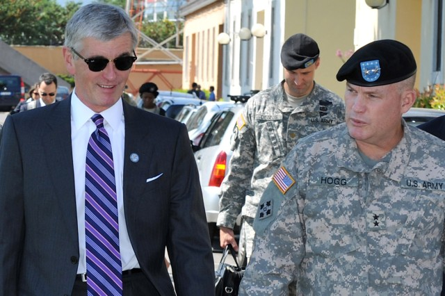 Army secretary tours Caserma Ederle, meets Soldiers and family