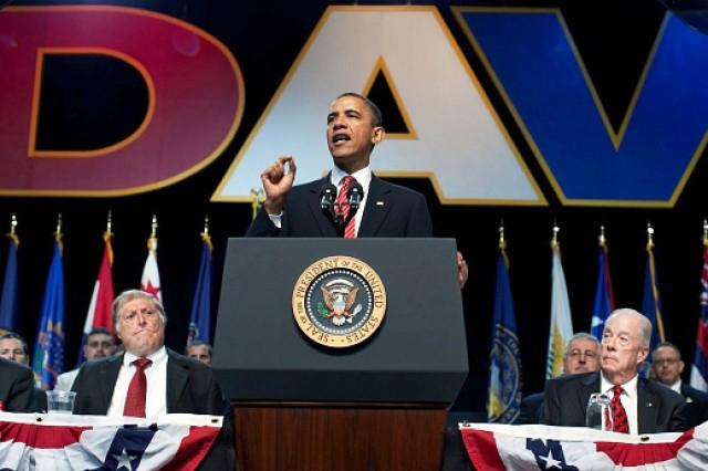 Obama lauds veterans