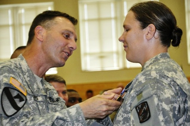 10th Trans Co receives Humanitarian Service Medal for Haiti mission