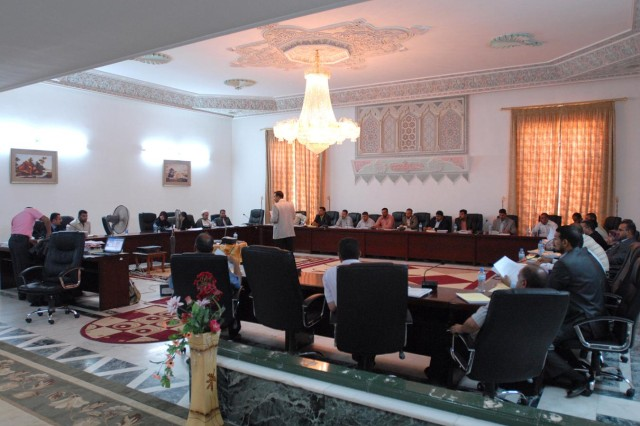 Officials from the provinces of Babil, Karbala, Diwaniyah and Najaf discuss anti-corruption measures at the Babil Convention Center July 22.