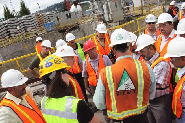 Representatives of the Kiewit Construction Company brief the Iraqi delegation on the Big Pipe Project in Portland, Ore., during their visit to the United States in Aug. 2009.