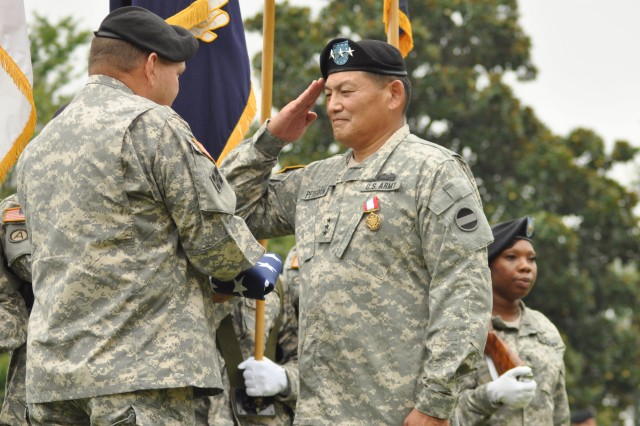 First three-star Army general of Hawaiian ancestry retires