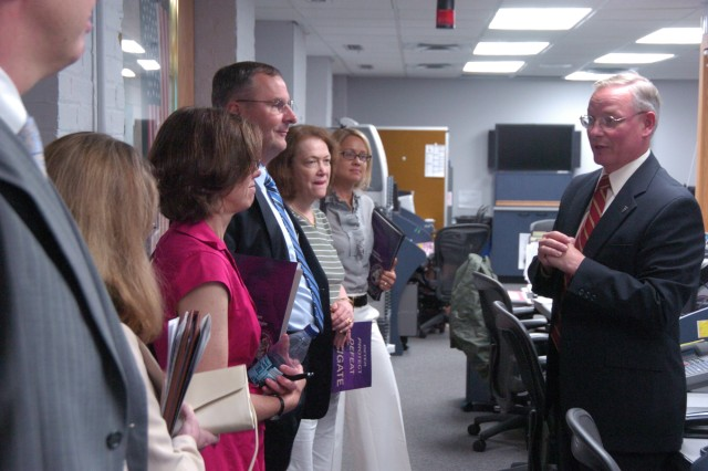 The Emergency Preparedness Advisory Commission Arlington County visits JHQ-NCR/MDW