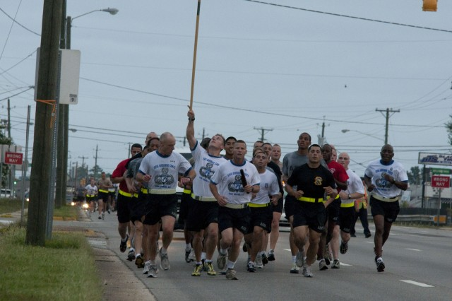 Fort Bragg paratroopers participate in first-ever Mike-to-Mike run
