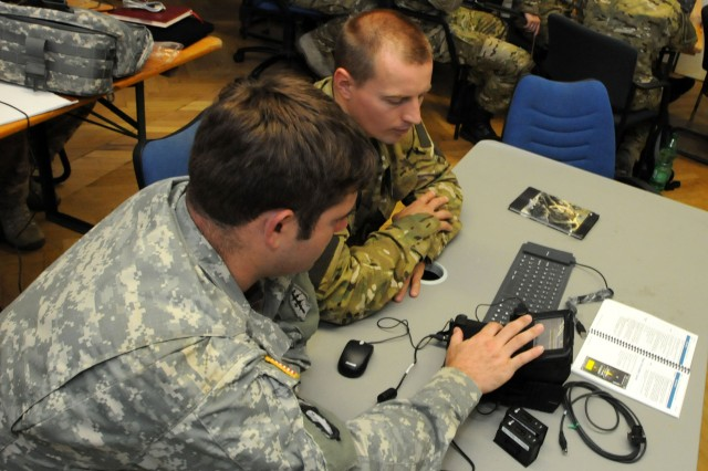 U.S., Polish Soldiers hone POLSOFCOM intelligence capability
