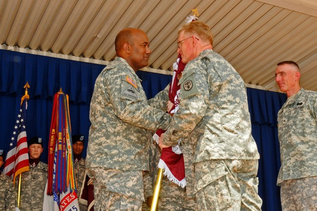 new commander for warrior transition command