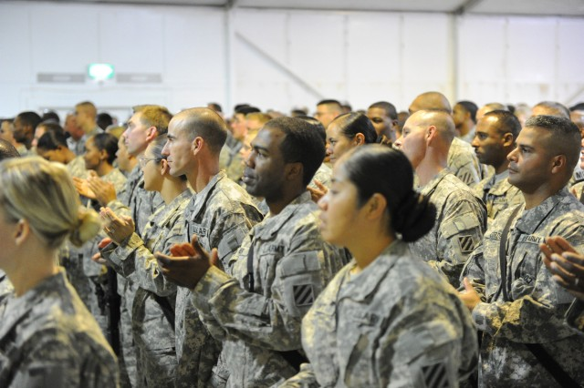 CAMP RAMADI, Iraq - About 300 Soldiers with 4th Advise and Assist Brigade, 3rd Infantry Division, United States Division - Center, listen to U.S. Secretary of Defense Robert Gates Sep. 1 at the Ramadi Event Center. (U.S. Army photo by Spc. Gary Silverman, Combat Camera)