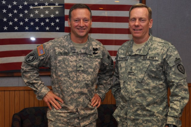 USARAK commander visits Schofield Barracks