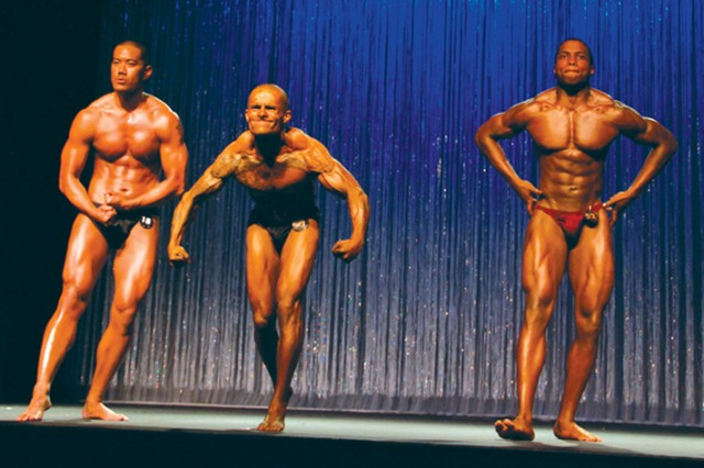 Stuttgart bodybuilding, figure team muscles out competition