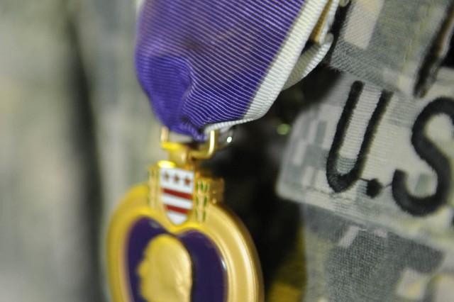 Sec. Def. awards Vanguard Soldier Purple Heart