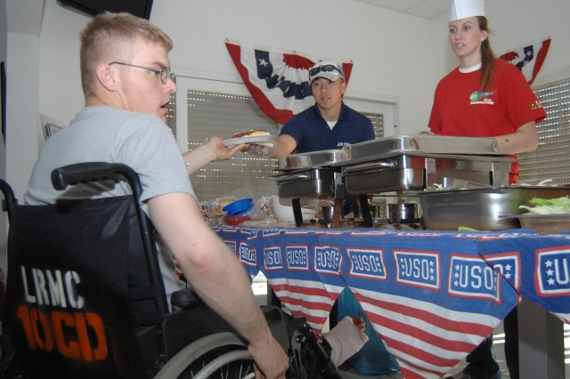 Single Soldiers, volunteers share Patriot Day with wounded warriors at Landstuhl