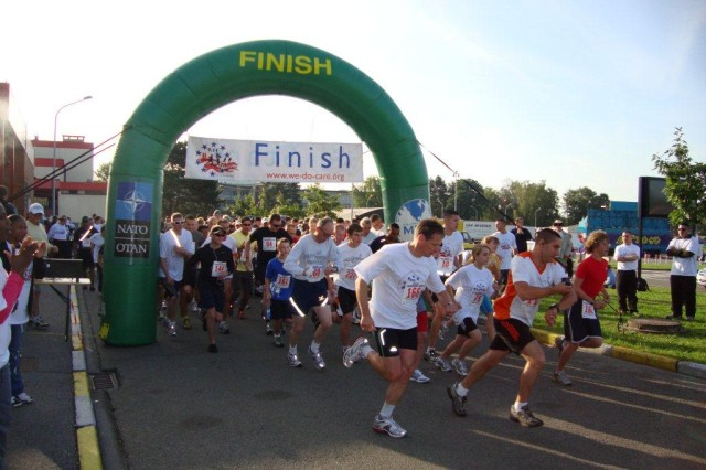 Hosted by USAG Benelux, the 9/11 Mile Freedom Run took place on SHAPE and attracted more than 250 runners from around the Benelux.