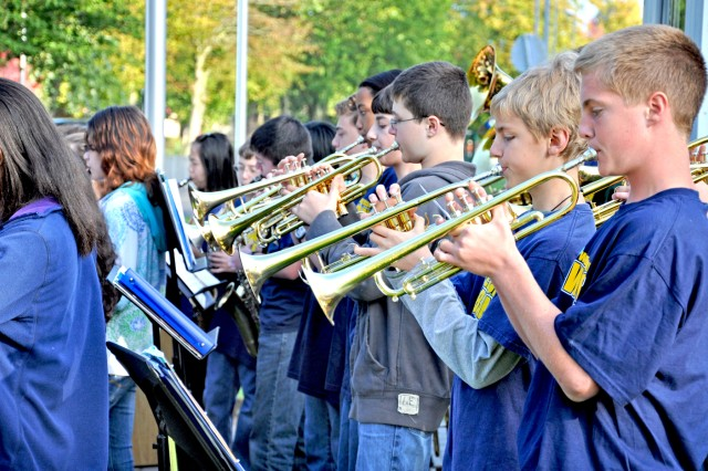 """The Wiesbaden Middle School Band performs """"God Bless America"""" during the school's Patriot/Constitution Day observance."""