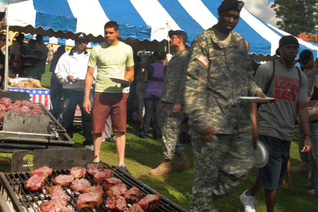 MANNHEIM, Germany (Sept. 10, 2010) -- Seven hundred fresh grilled steaks were prepared and served by volunteers from the Steak Team Mission, a nonprofit group based in Dallas, Texas, to over 500 Soldiers and family members of the 7th Signal Brigade and the Mannheim community showing their support to the newly redeployed Soldiers. (Photo by Spc. Ida Tate, HHC, 7th Theater Tactical Signal Brigade)
