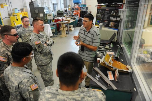 RDECOM NCOs visit Army Reseach Labs