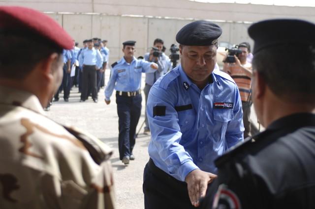 Baghdad River Patrol adds 40 graduates to its ranks