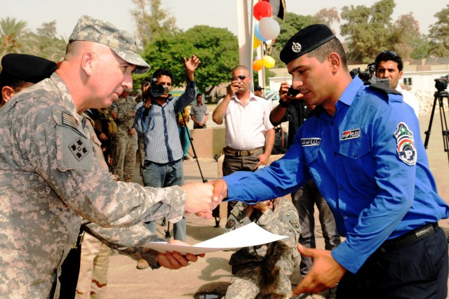 Baghdad River Patrol adds 40 graduates to its ranks