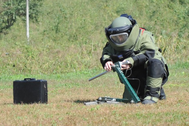 U.S. Army EOD technicians trained with South Korean units Oct. 6 - 8 at Blackhawk Village.