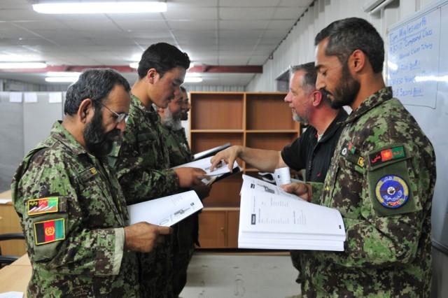 Afghan airmen learn English 2