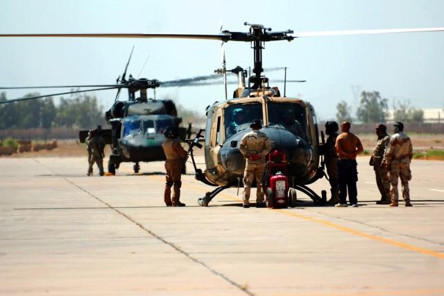 U.S., Iraqi aviators fly mission