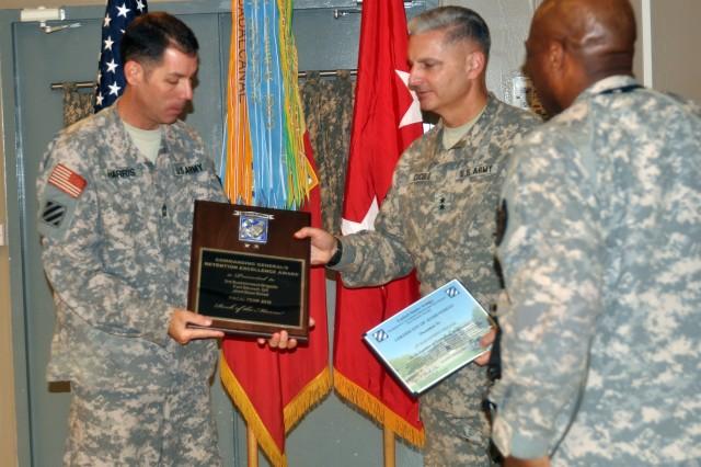 3SB receives retention awards, combat action badges