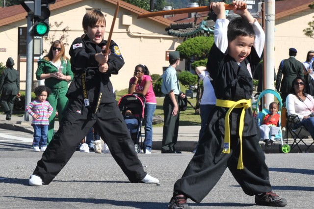 Students demonstrate Gumdo during the fall festival parade on Yongsan Garrison.