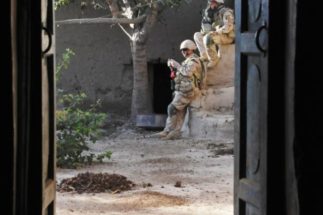 Canadian patrol in Panjwai'i 13