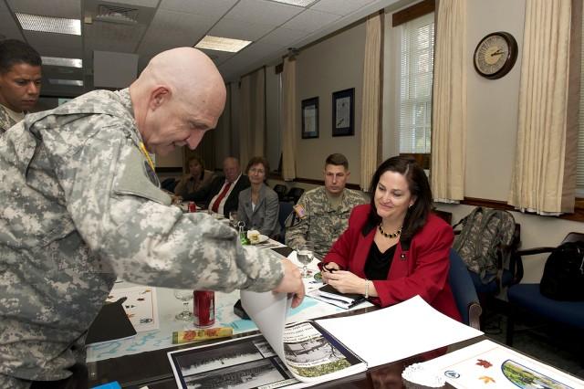 Senior Army leader visits APG