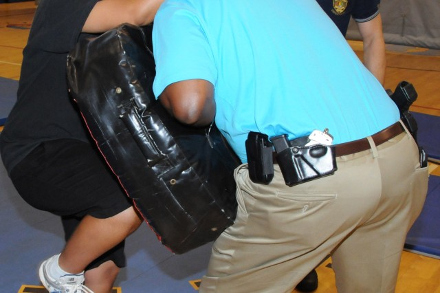 Fort Rucker CID agents, local police teach awareness, self defense