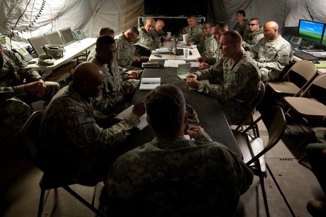 Chief of Staff of the US Army, Gen. George W. Casey Jr., conducts an after action briefing with the leadership participating in the Full Spectrum Operation exercise in Ft. Polk, LA, Saturday, Oct. 23, 2010.