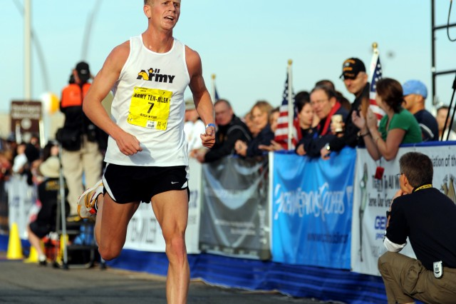 U.S. Army World Class Athlete Program runner 1st Lt. John Mickowski of Fort Carson, Colo., gutted out the final mile to finish 11th for the All-Army team in 49 minutes, 40 seconds at the 26th running of the Army Ten-Miler on Oct. 24 at the Pentagon.
