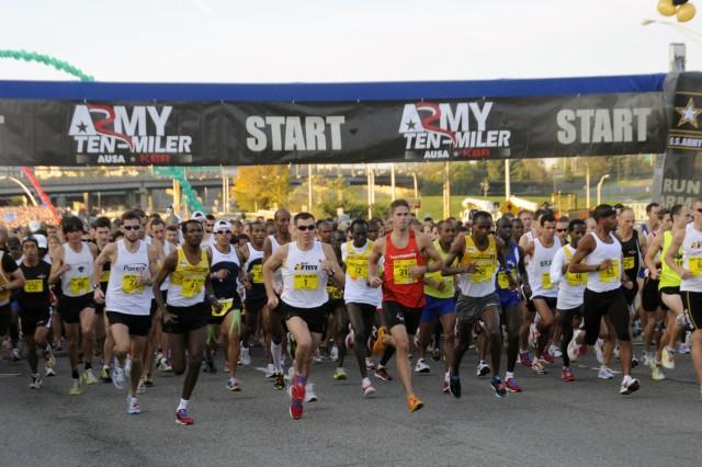 Fort Drum Soldiers run in 26th Army Ten-Miler