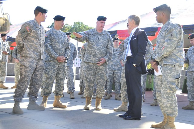 The Secretary of the Army visits Special Operations Command