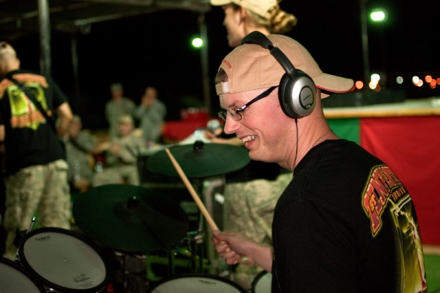 Big Red One band tours Iraq
