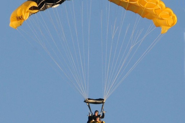 Tandem jumpers cruised to a safe landing on Fort Knox's Brooks Field.