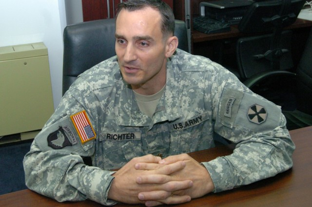 Eighth Army major receives medal for Fort Hood response
