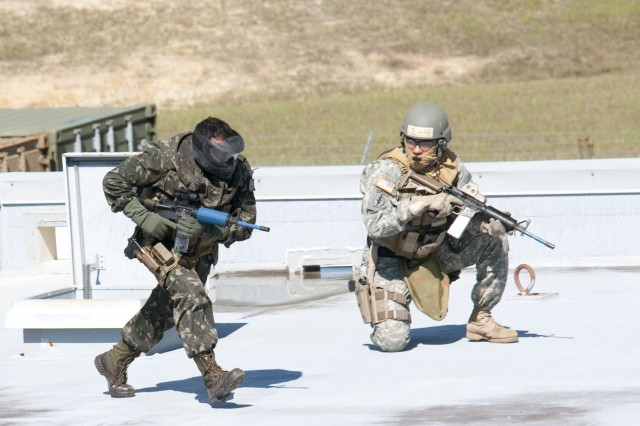 7th Special Forces train with Brazilian team