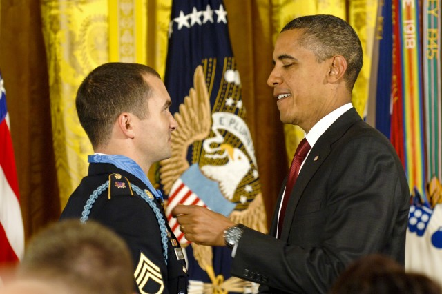 President Barack Obama presents the Medal of Honor to U.S. Army Staff Sgt. Salvatore Giunta during a ceremony at the White House in Washington, D.C., Nov. 16, 2010.