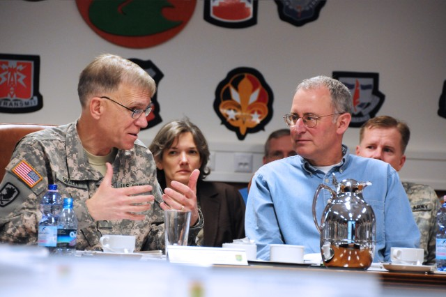 Army Chief Information Officer/G6 visits 5th Signal Command
