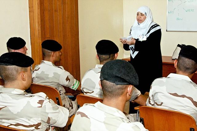 English language teachers begin classes in Rustamiyah, across Iraq