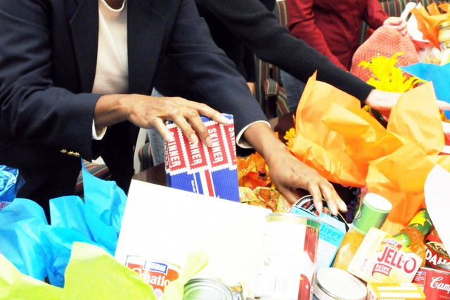 Fort Rucker community provides assistance, food for holidays