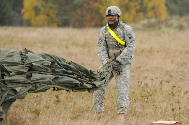 18th CSSB surpasses Army standard during sling load training