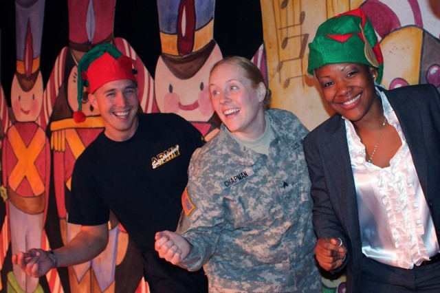 "Soldier Show alumni offer ""A Soldier's Christmas"" as gift to community"