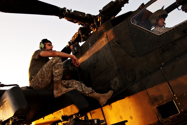 Army crews work behind scenes to maintain Apache helicopters