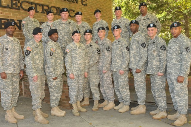 I Corps Soldiers tour RDECOM