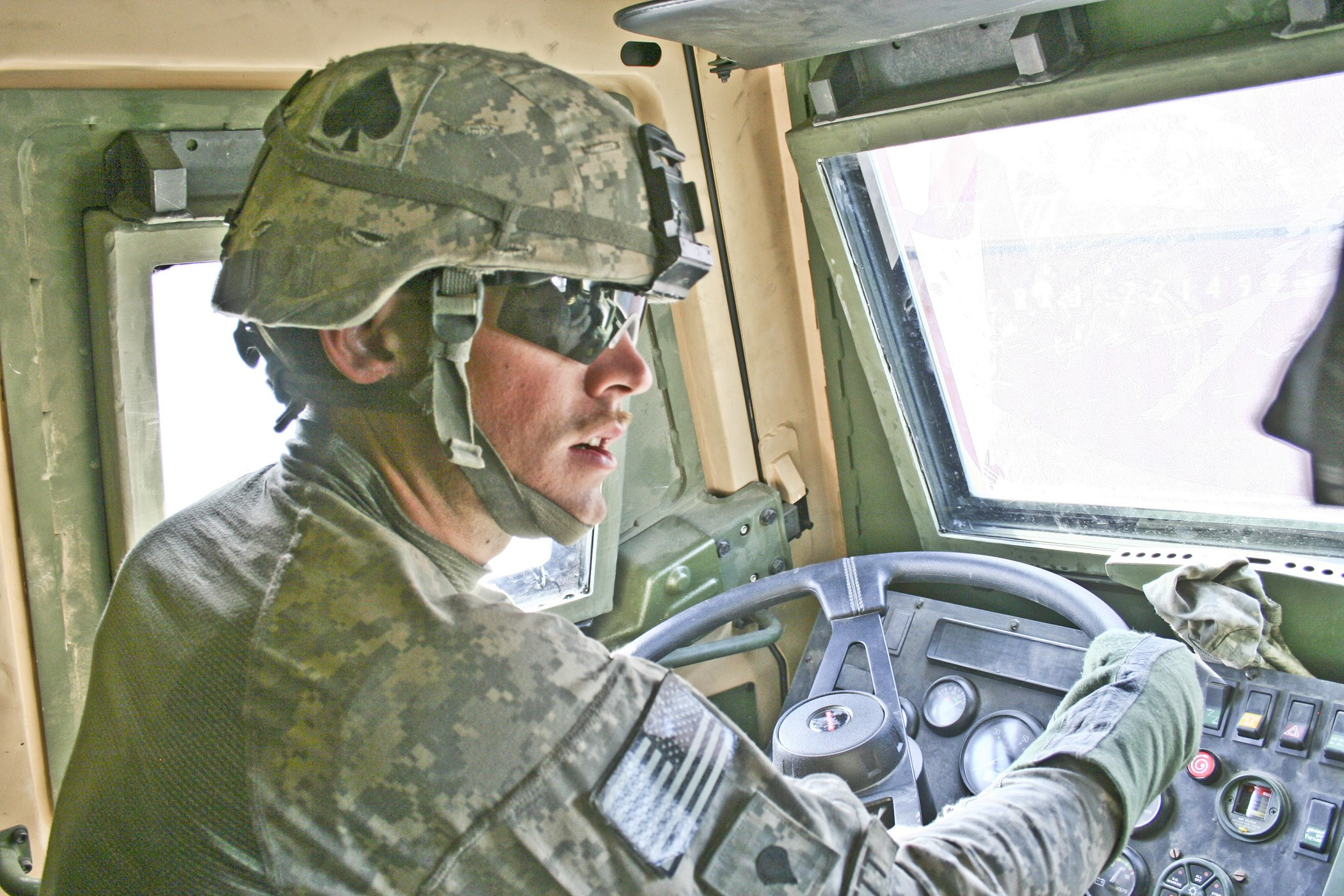 A Day In The Life Of An Army Truck Driver In Afghanistan Article - Us-army-88m