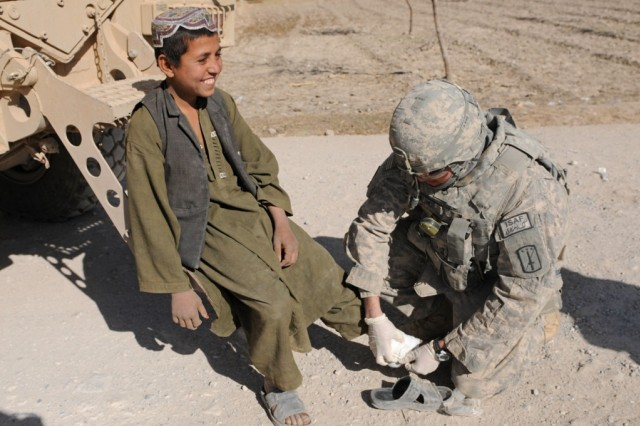 40th Engineer Company Soldiers hunt IEDs, ensure freedom of movement