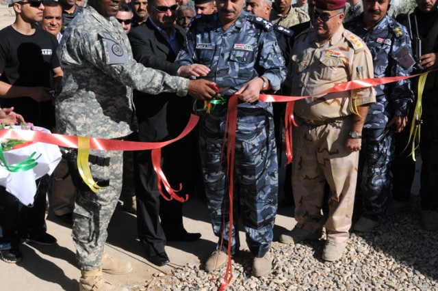 Iraqi border station opens modern housing facility